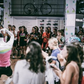 Womens 100 by Domenica - Photo by: Brazo de Hierro