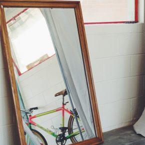 Still not a bike shop - Photo by: Marcel Batlle